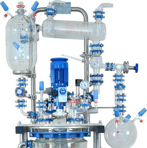 This is a distillation equipment with chemical glass pipes.