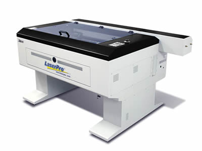 The reflector of laser printer is made of precision glass.