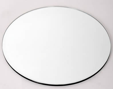 Round shape glass panel with clear surface and polishing edge.
